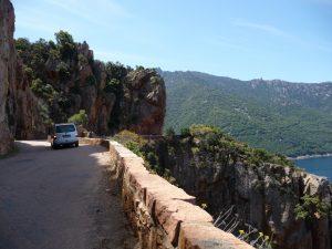 Auf der Straße zwischen Porto und Piana