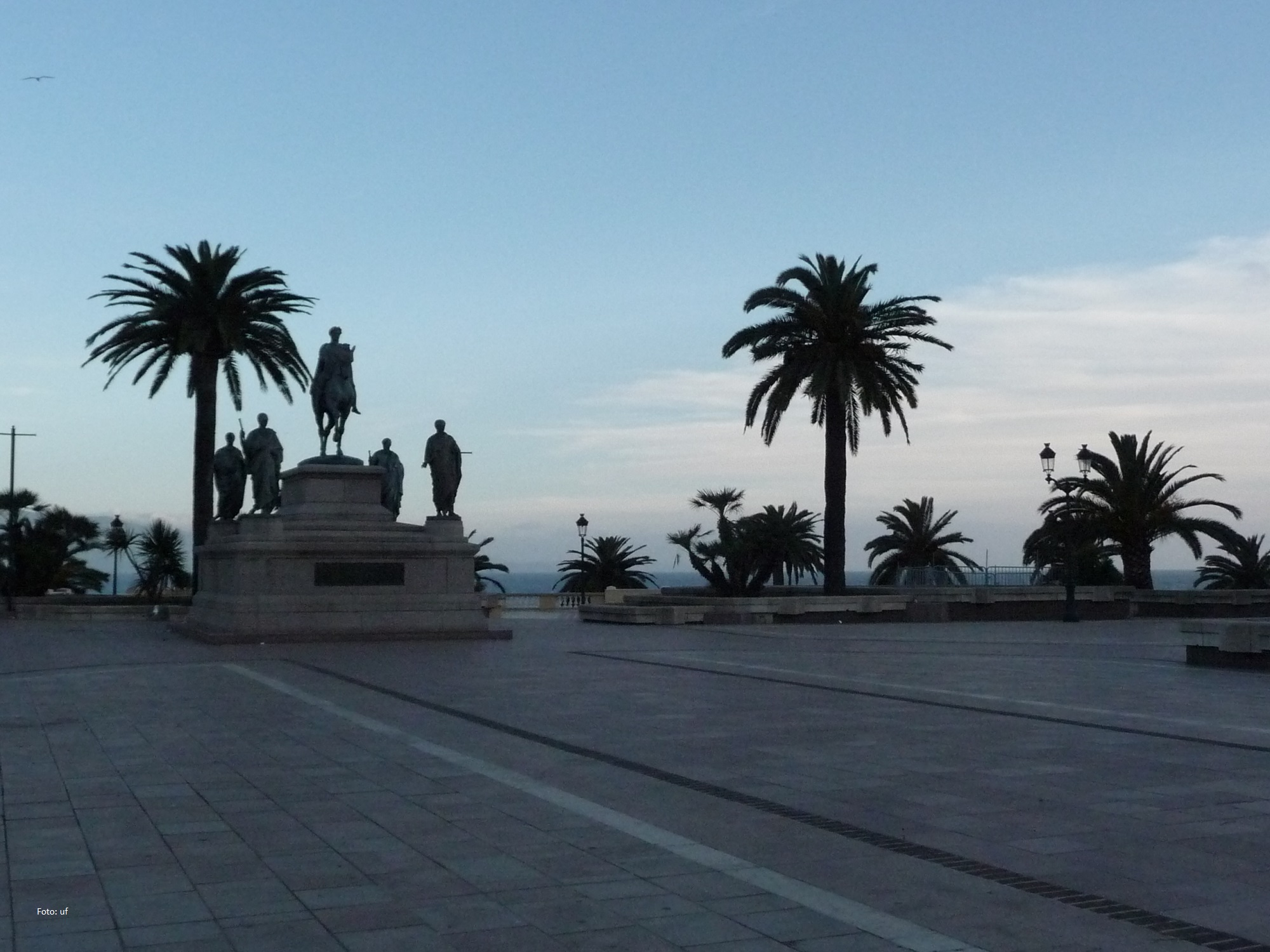 Auf dem Place Gènèral-de-Gaulle - Napoleon ist allgegenwärtig in Ajaccio