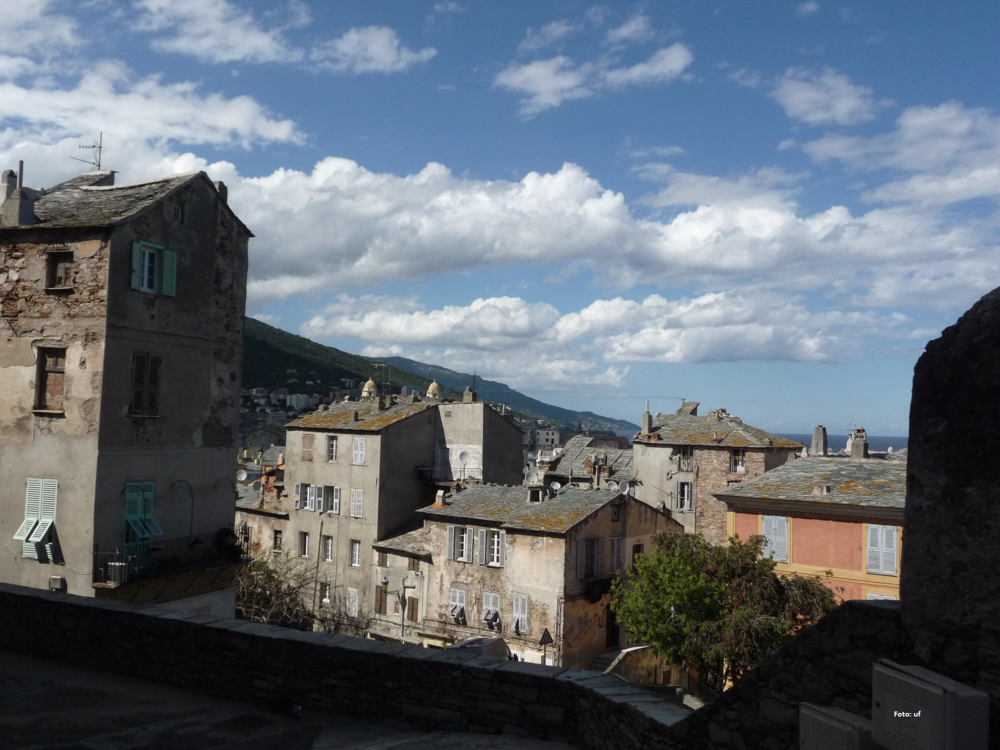 Dächer der Altstadt in Bastia