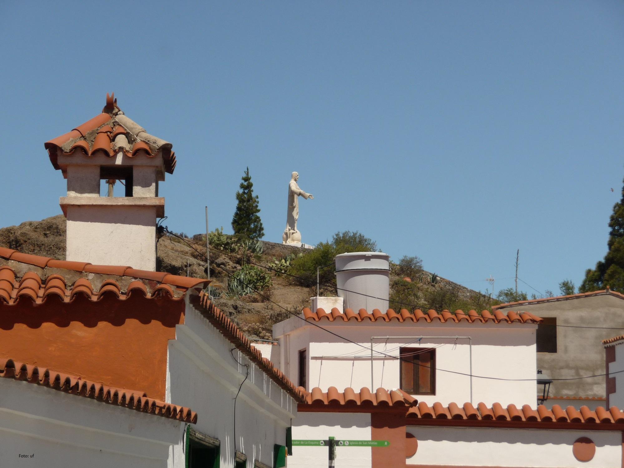 Christus-Statue bei Artenara, das höchste Dorf der Insel in 1220 m Höhe