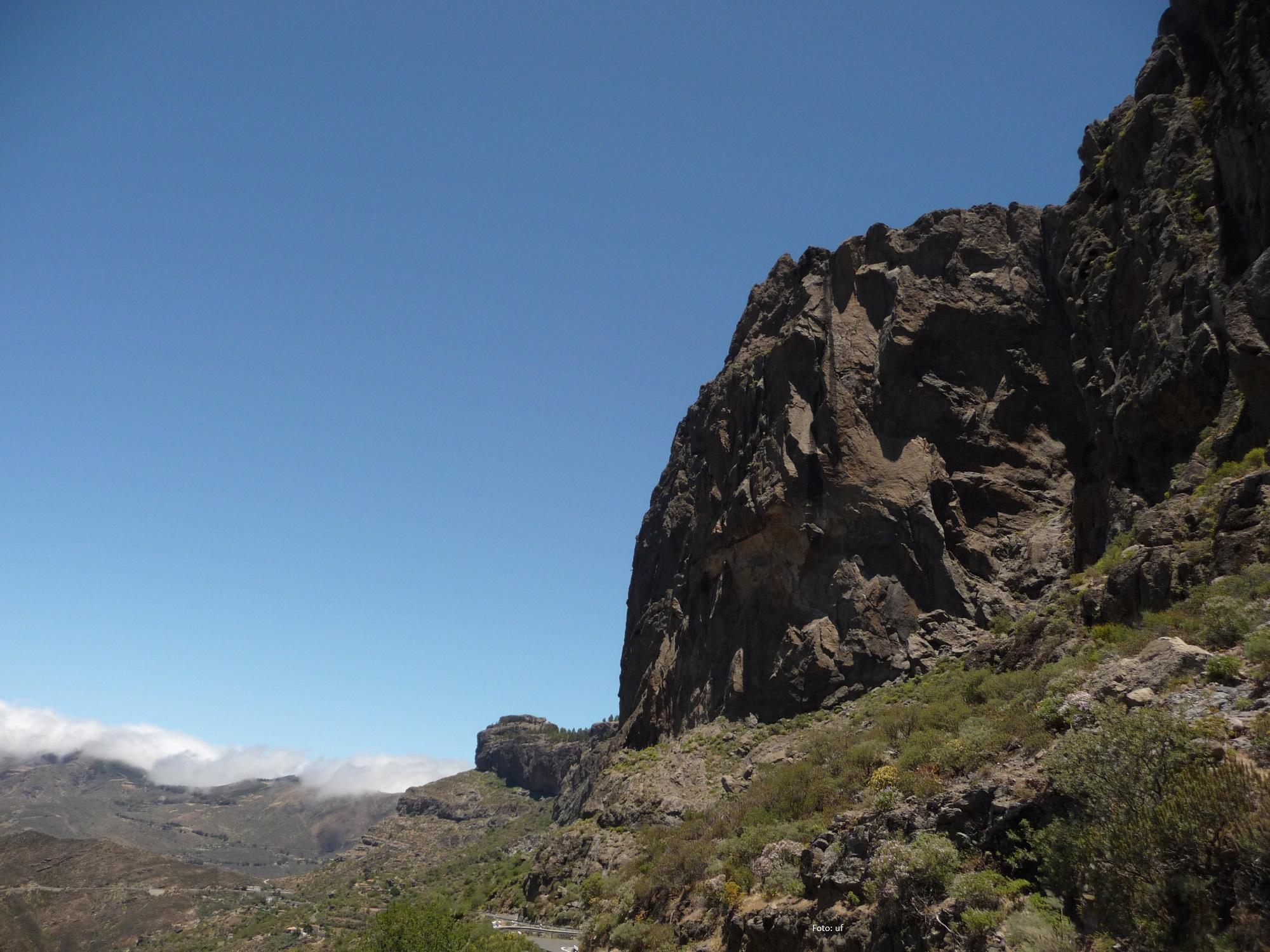 Grandiose, zerklüftete Bergmassive im Inselinneren