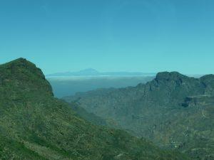 In der Ferne grüßt bei guter Sicht der Teide auf Teneriffa.