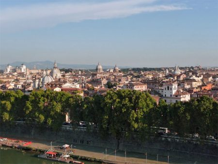 Nachmittagssonne über den Dächern von Rom.
