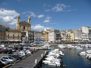 Kirche Saint-Jean-Baptiste und Vieux-Port (Alter Hafen)