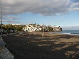 Playa de San Augustìn - der ca. 1 km lange Strand wurde mit der Blauen Umweltflagge der EU ausgezeichnet.