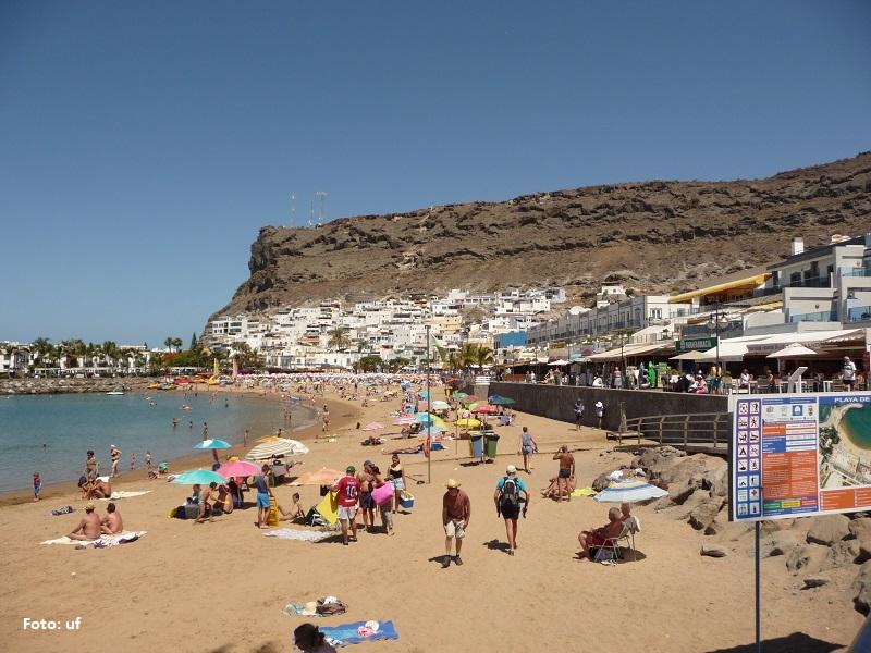 Ruhigeres Treiben am Strand von Puerto de Mogàn
