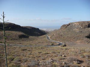 Nach ca. 15 km von der Küste ist man in einer grandiosen Berglandschaft