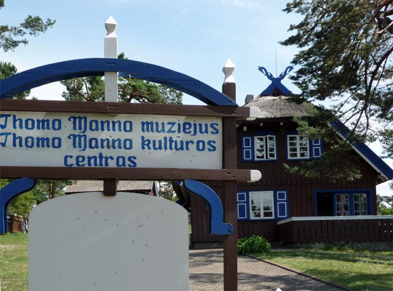 In diesem reetgedeckten Haus am Kurischen Haff in Litauen verbrachte Thomas Mann mit seiner Familie mehrere Jahre seinen Urlaub.