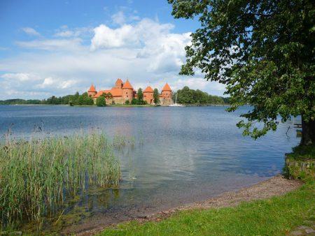 Trakai, die gotische Wasserburg aus Backstein ist ca. 30 km von Vilnius entfernt