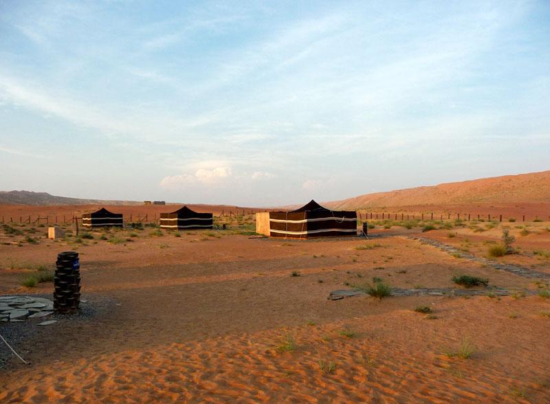 Camp in der Sandwüste Ramlat Al Wahiba (Wahiba Sands) im östlichen Oman.